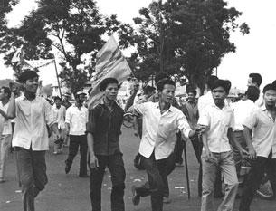 Tại sao những cuộc biểu tình sinh viên vắng bóng sau năm 1975