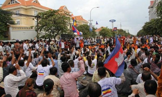 Chính phủ VN và Campuchia đứng trước thách thức lật đổ ?