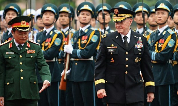 Việt Nam giữa phương Tây và Trung Quốc
