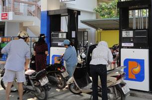 Giá dầu giảm ảnh hưởng thế nào tới Việt Nam?
