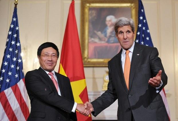 Mỹ nới lỏng cấm vận vũ khí đối với Việt Nam
