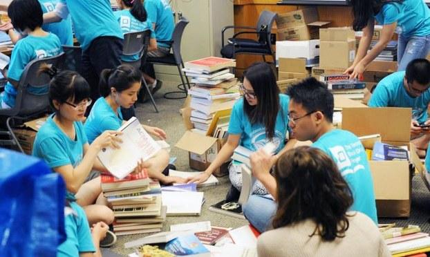 Dự án quyên tặng sách của sinh viên quỹ giáo dục Việt nam
