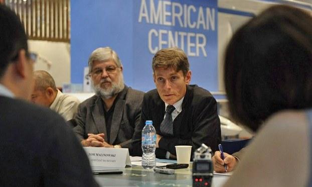 Trợ lý ngoại trưởng Hoa Kỳ gặp cựu tù nhân Nguyễn Xuân Nghĩa