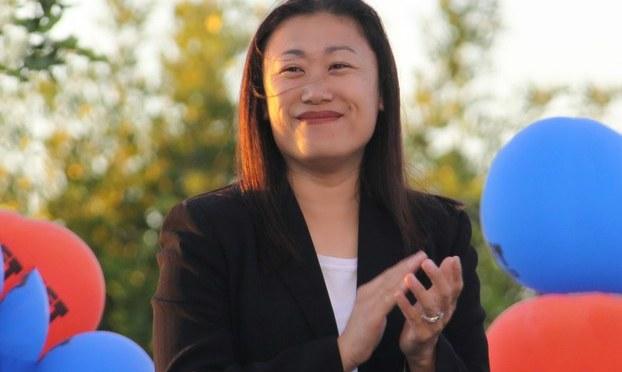 Janet Nguyễn người phụ nữ Việt nam đầu tiên được bầu vào thượng viện
