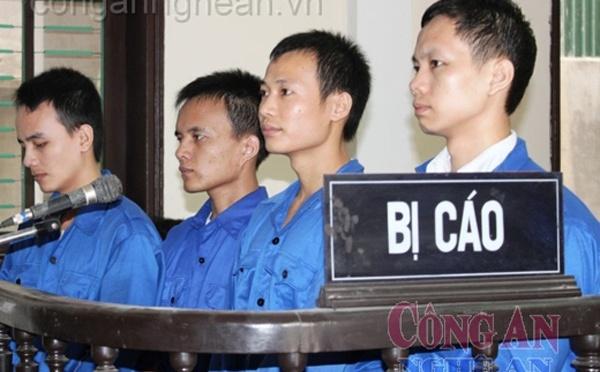 Hai tù nhân lương tâm vừa được ra tù