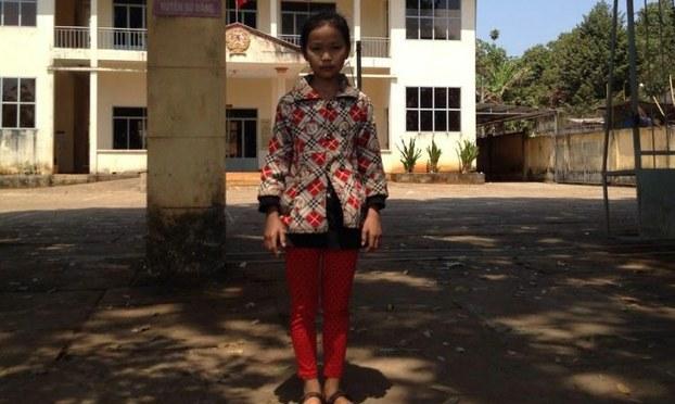 11 tuổi đời đi tìm công lý cho cha mẹ