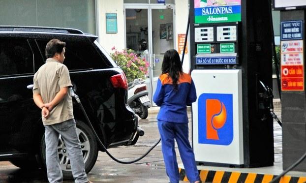 Giá xăng và gas giảm, sự bất ổn lại gia tăng